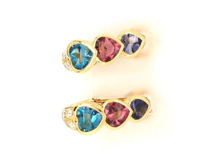 Orecchini in oro giallo 18kt g.10,80 con 2 topazi azzurri 2 tormaline rosa 2 ioliti taglio cabocon (sfaccettate sotto) cts. 3,80 e con 10 diamanti naturali taglio brillante Colore G VS cts. O,42